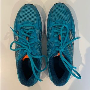 Saucony blue runners. Size 7